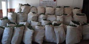 Diyarbakır'da 5 ton 81 kilogram esrar ele geçirildi