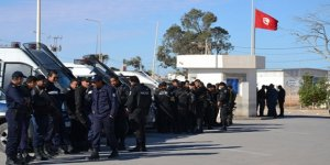 Tunus'ta Ras Cedir Sınır Kapısı trafiğe kapatıldı