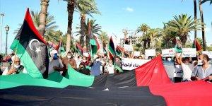 Libya'daki protestolarda Hafter milisleri göstericilere ateş açtı: 5 yaralı