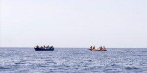 Akdeniz'de göçmenleri taşıyan lastik botun batması sonucu 24 kişi hayatını kaybetti