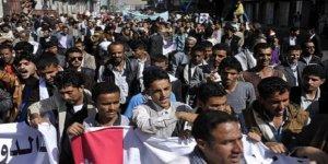 Yemen'de BAE destekli güçler göstericilere ateş açtı