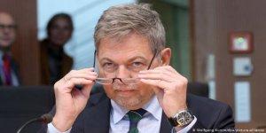 Alman askeri istihbarat başkanı görevden alındı