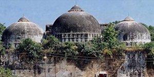 Hindistan'da Babri Camii'nin yıkılmasıyla ilgili yargılanan 32 kişi beraat etti