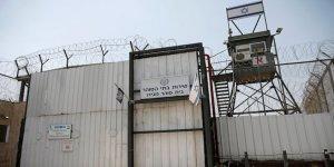Filistinli esir öğrencinin duruşması 20. kez ertelendi