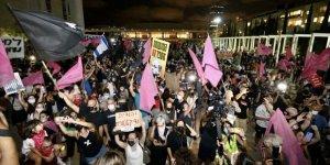 Tel Aviv'deki Netanyahu karşıtı gösterilere binlerce kişi katıldı