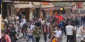 Suriyeli Gençler Fransa'nın İslam karşıtlığını protesto etti
