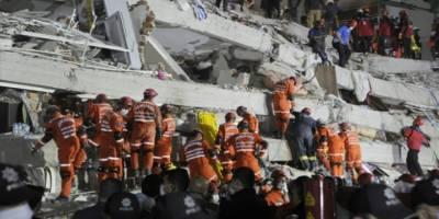 İzmir'de can kaybı 64'e yükseldi