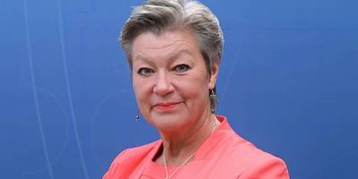 AB İçişleri Komiseri: İslam Avrupa için tehdit değil