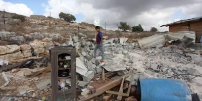 Siyonistler Batı Şeria'da Filistinlilere ait yapıları yıktı