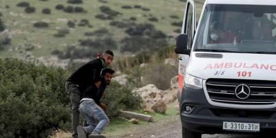 Siyonistler ambulanstaki yaralı Filistinliyi almaya çalıştı