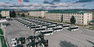 Türkiye'den Gürcistan ordusuna zırhlı iş makinesi ve özel otobüs desteği