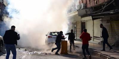 Irak'ın Süleymaniye kentinde protestocular siyasi parti binalarını ateşe verdi