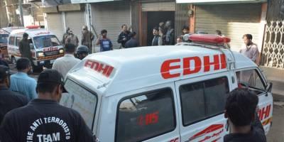 Pakistan'da bombalı saldırı: 25 yaralı