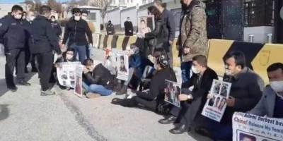 Doğu Türkistanlılardan, Çin'in Ankara Büyükelçiliği'nde direniş nöbeti