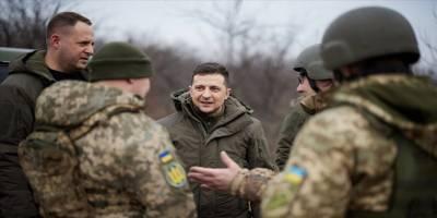 Zelenskiy G7 Büyükelçileriyle Donbas Cephesinde