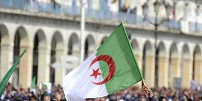 Fransa'nın Cezayir'de yaptığı nükleer denemelerin etkileri sürüyor