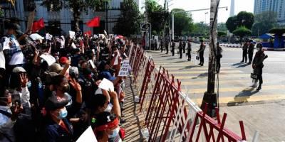 Askeri darbenin ardından Myanmar'da sular durulmuyor