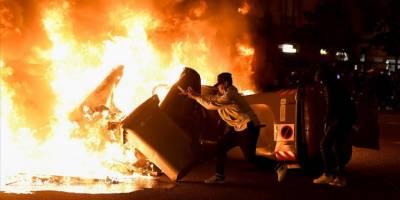 İspanya'daki gösteriler dördüncü gününde de olaylı geçti