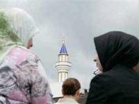 İsviçre Tüm İslami Faaliyetleri Yasakladı