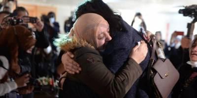 Esed rejimi ve ortaklarının ayırdığı anne - oğul 8 yıl sonra kavuştu