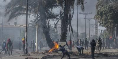Senegal muhalif lider Sonko'nun gözaltına alınmasıyla karıştı