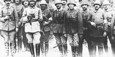 Mustafa Kemal hangi tarihte Çanakkale kahramanı oldu?