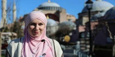 Sultanahmet'te Müslümanlıkla tanıştı, şimdi İslam'ı anlatıyor