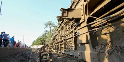 Mısır'da iki tren çarpıştı: 32 ölü, 66 yaralı