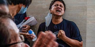 Myanmar'da askeri cunta kiliseleri bastı
