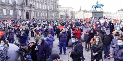 Danimarka'da mültecilere yönelik düzenlemelere karşı protesto eylemi