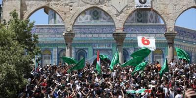 Mescid-i Aksa'da Ramazanın son cumasına 70 bin kişi katıldı