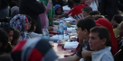 Hayırda Buluşanlar Topluluğu Suriye'deki yetimlere iftar verdi