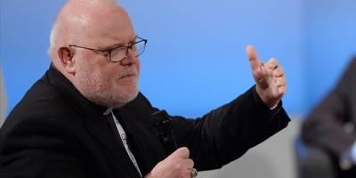 Alman kardinal cinsel istismar skandalları nedeniyle Papa'dan istifasını kabul etmesini istedi
