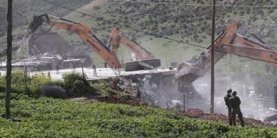 Siyonist güçler, Batı Şeria'da 25 Filistinlinin yaşadığı evleri yıktı