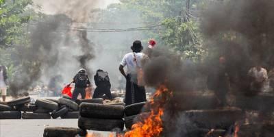 Myanmar'da ordunun darbe karşıtlarına silahlı müdahalesinde ölenlerin sayısı 860'a çıktı