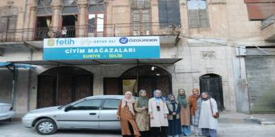 Özgür-Der mensupları Suriye'de yetimlerle buluştu