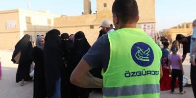 Özgür-Der İdlib'de erzak yardımı dağıttı