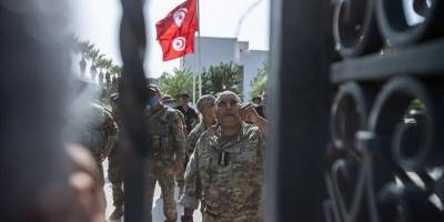 Nahda düşmanı Tunus Özgür Anayasa Partisi'nin darbeye arka çıkması şaşırtıcı değil