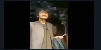 Pedofili ile suçlanan Afgan milisten komedyen çıkarmak