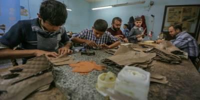 Muhacir düşmanlarının görmek istemediği tablo: Suriyeliler avanta almıyor, bilakis köle gibi çalışıyorlar!