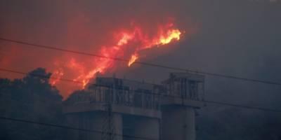 Alevler Kemerköy Termik Santrali'ne sıçradı