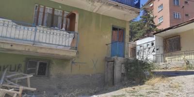 Ankara Özgür-Der mensupları ırkçı saldırıya uğrayan sığınmacılara erzak dağıttı