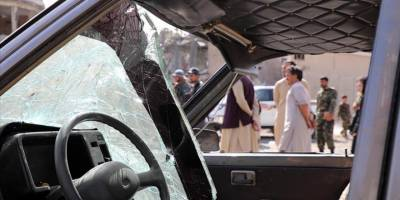 Afganistan'da düzenlenen bombalı saldırıda 2 sivil öldü
