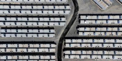 """Yunanistan mültecileri Sisam Adası'ndaki """"kapalı"""" kampa hapsedecek"""