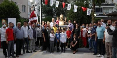 Mezitli'de heykel dikme faaliyetleri son hız devam ediyor