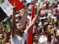 Askerlerden Mısır Anayasasına Müdahale!