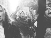 Mısırlı Kadınlar Askeri Yönetimi Protesto Etti