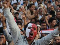 Yemende Halk Sokaklarda