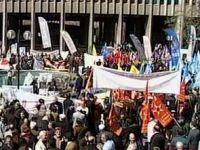 Yüzlerce Kişi Ankara Adliyesinde