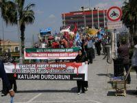 İzmirde Suriye Halkı İçin Tabutlu Yürüyüş